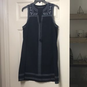 Abercrombie embroidered shift dress SZ M